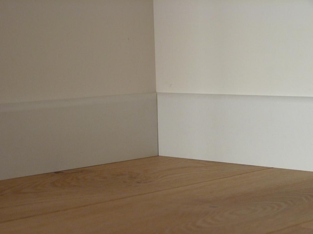 plinthe rev tue blanc pr te peindre parquet linen. Black Bedroom Furniture Sets. Home Design Ideas