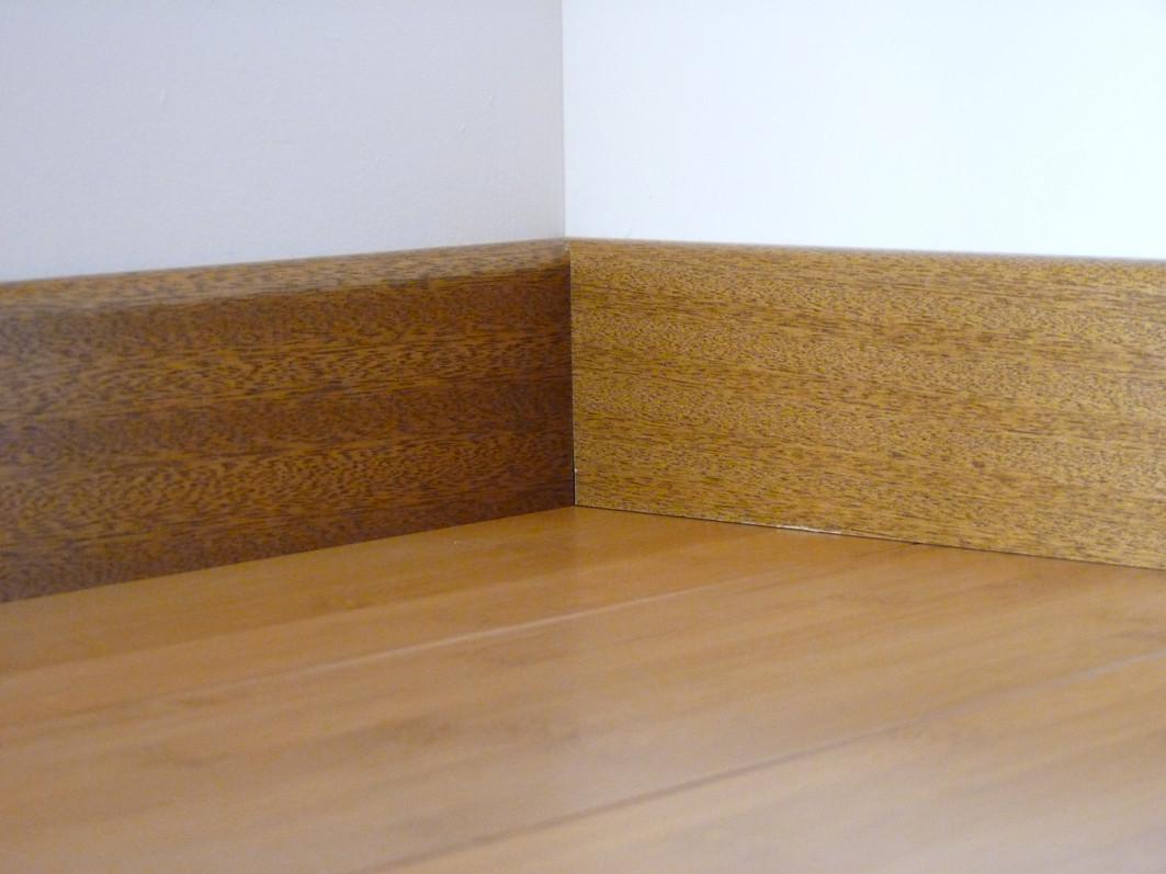 plinthe plaqu e vernie parquet bambou caramel. Black Bedroom Furniture Sets. Home Design Ideas