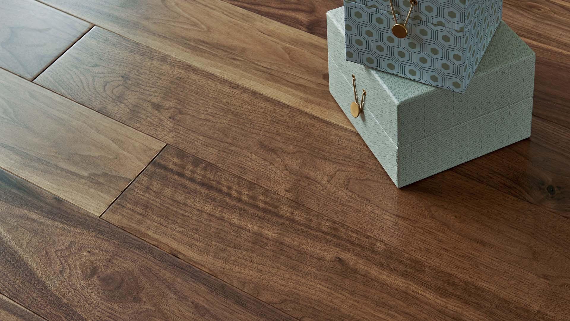 parquet noyer satin diva 139. Black Bedroom Furniture Sets. Home Design Ideas