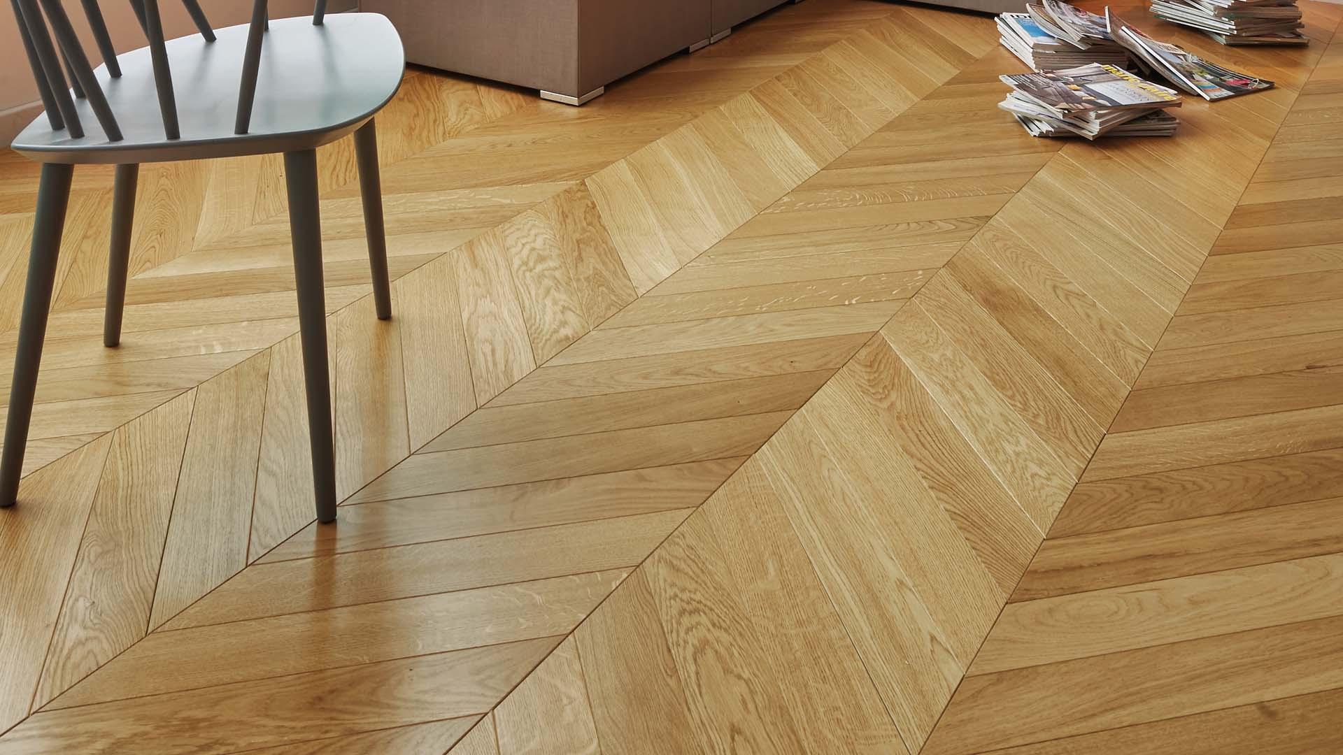 floor french oak classic satin chevron 90. Black Bedroom Furniture Sets. Home Design Ideas